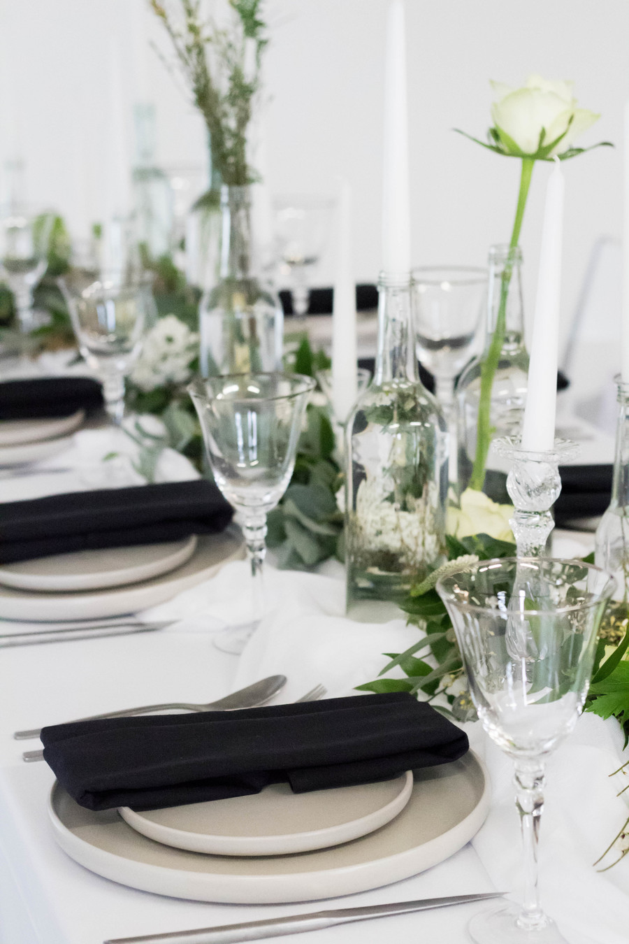 Sleek and modern wedding inspiration from Wakefield with Lam D Peretti Photography (4)