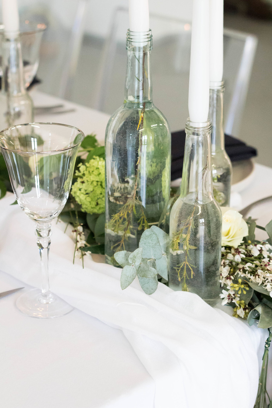 Sleek and modern wedding inspiration from Wakefield with Lam D Peretti Photography (12)