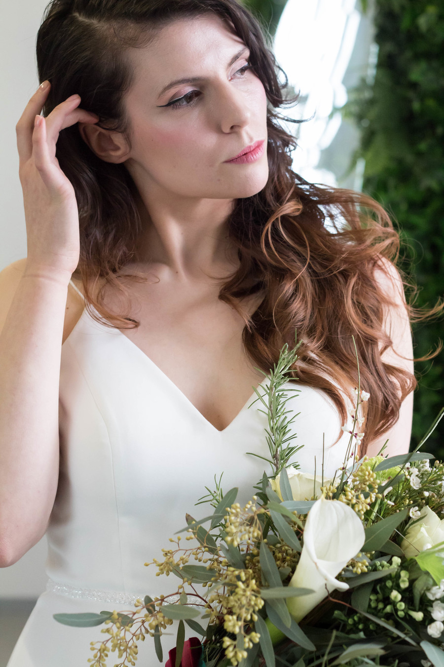 Sleek and modern wedding inspiration from Wakefield with Lam D Peretti Photography (21)