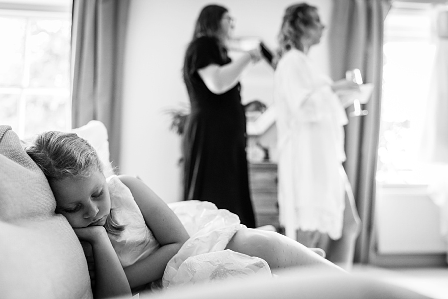 Emily & Joe's timeless and classic Lulworth Castle wedding, with Linus Moran Photography (10)