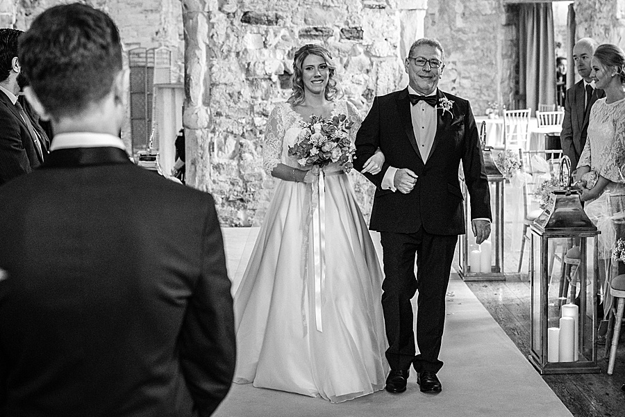 Emily & Joe's timeless and classic Lulworth Castle wedding, with Linus Moran Photography (23)