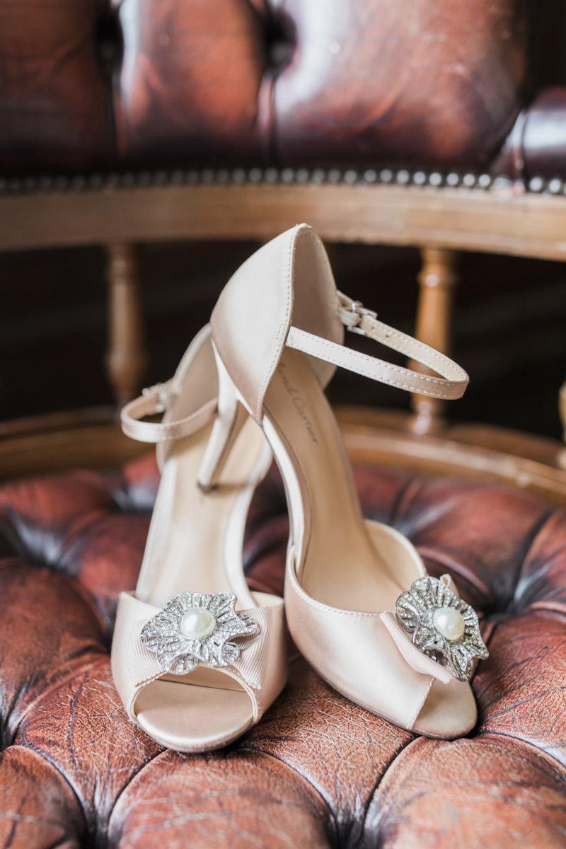 Hannah & Mark's elegant rustic Oxon Hoath wedding, with Natalie D Photography (11)