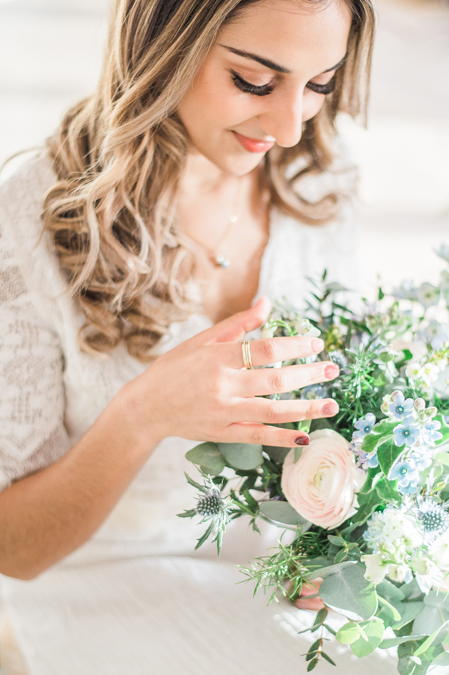 Beautiful blue wedding inspiration for 2021 couples, photo credit Laura Jane Photography (37)