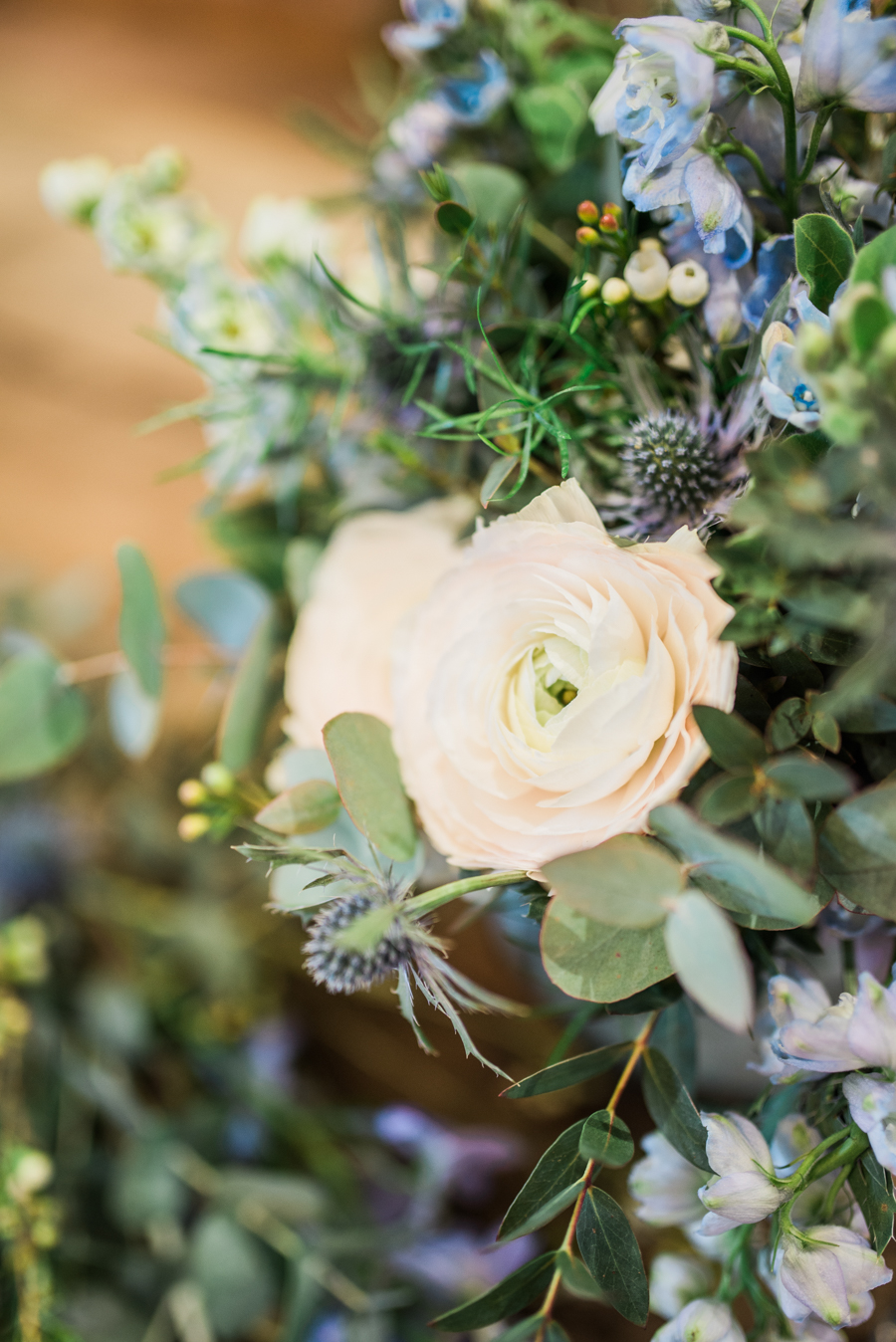 Beautiful blue wedding inspiration for 2021 couples, photo credit Laura Jane Photography (30)