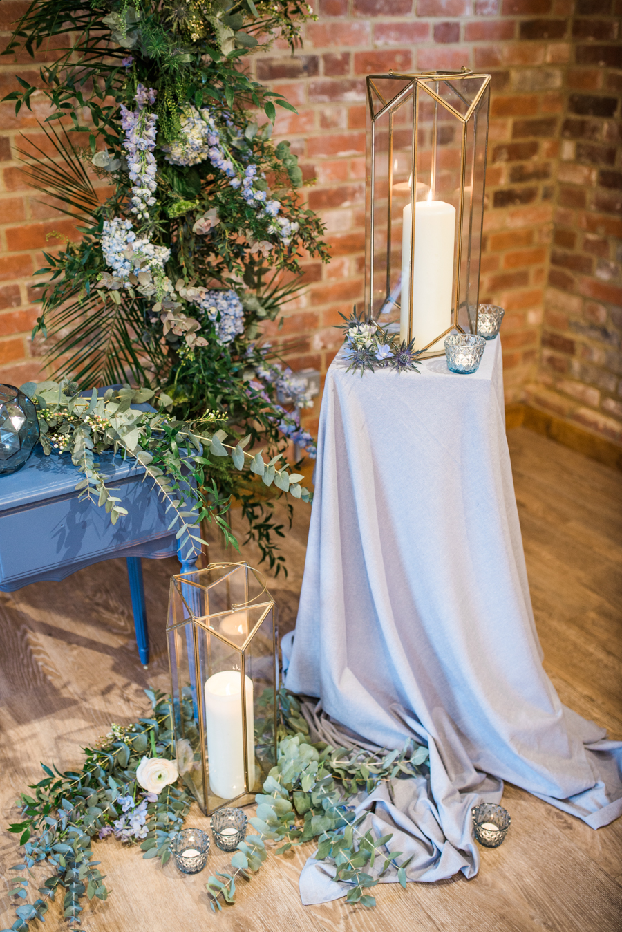 Beautiful blue wedding inspiration for 2021 couples, photo credit Laura Jane Photography (29)
