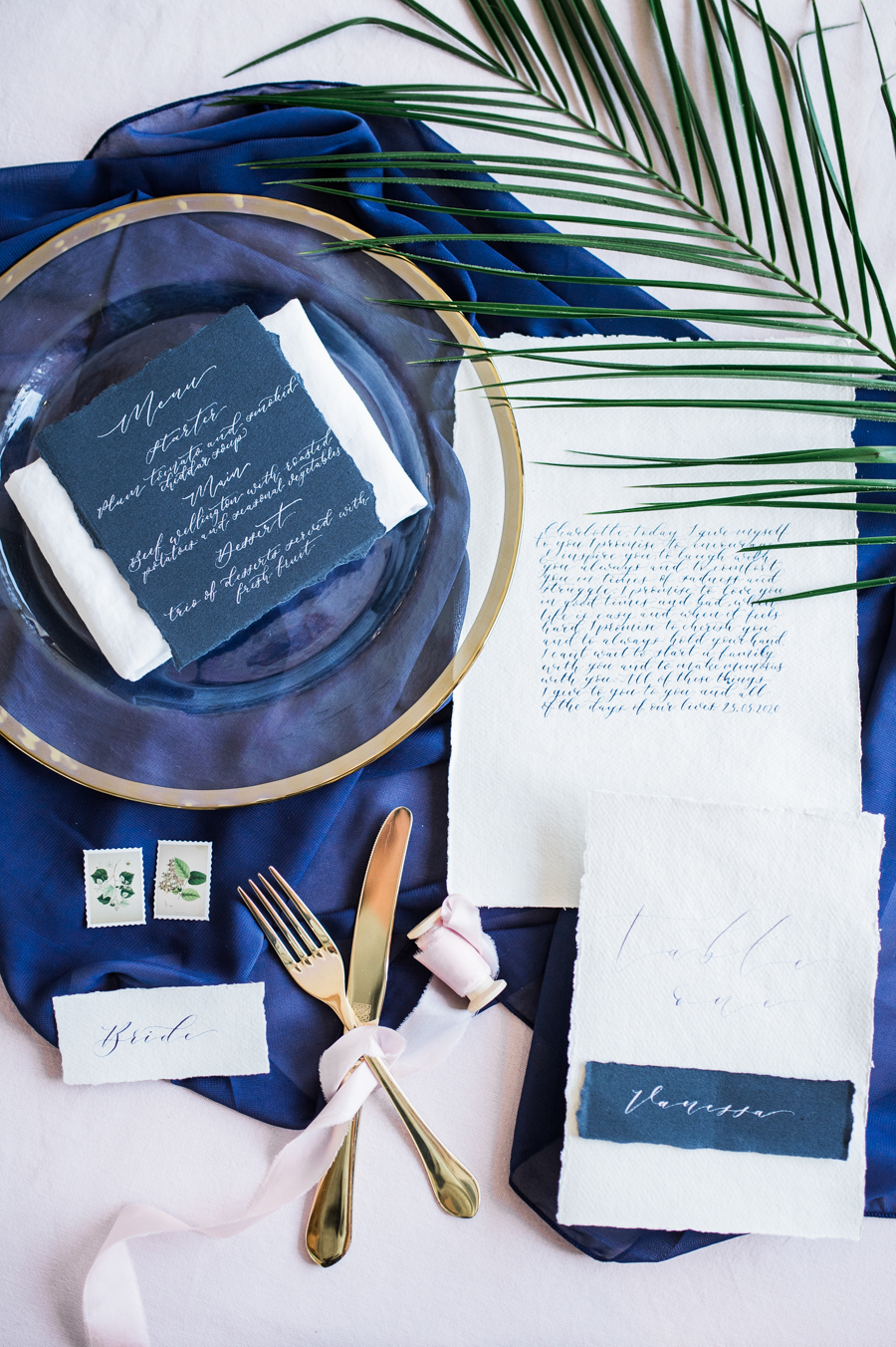 Beautiful blue wedding inspiration for 2021 couples, photo credit Laura Jane Photography (14)