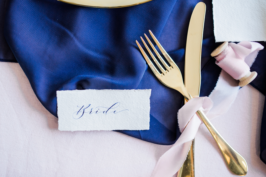 Beautiful blue wedding inspiration for 2021 couples, photo credit Laura Jane Photography (13)