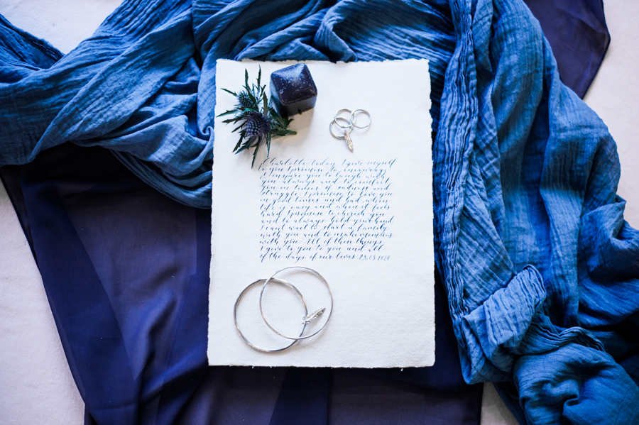 Beautiful blue wedding inspiration for 2021 couples, photo credit Laura Jane Photography (12)