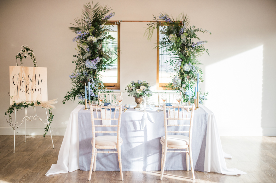 Beautiful blue wedding inspiration for 2021 couples, photo credit Laura Jane Photography (11)