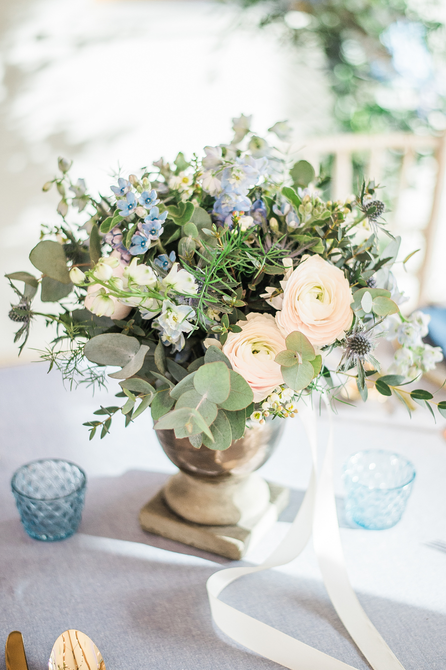 Beautiful blue wedding inspiration for 2021 couples, photo credit Laura Jane Photography (8)