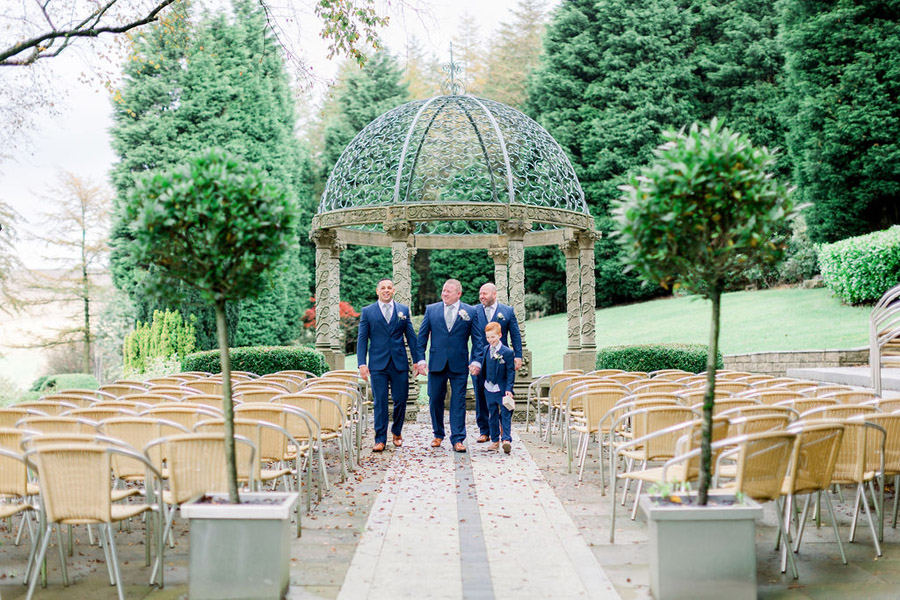 Classic and timeless styling for Laura & Billy's beautiful summer wedding, with Jo Bradbury Photography (11)