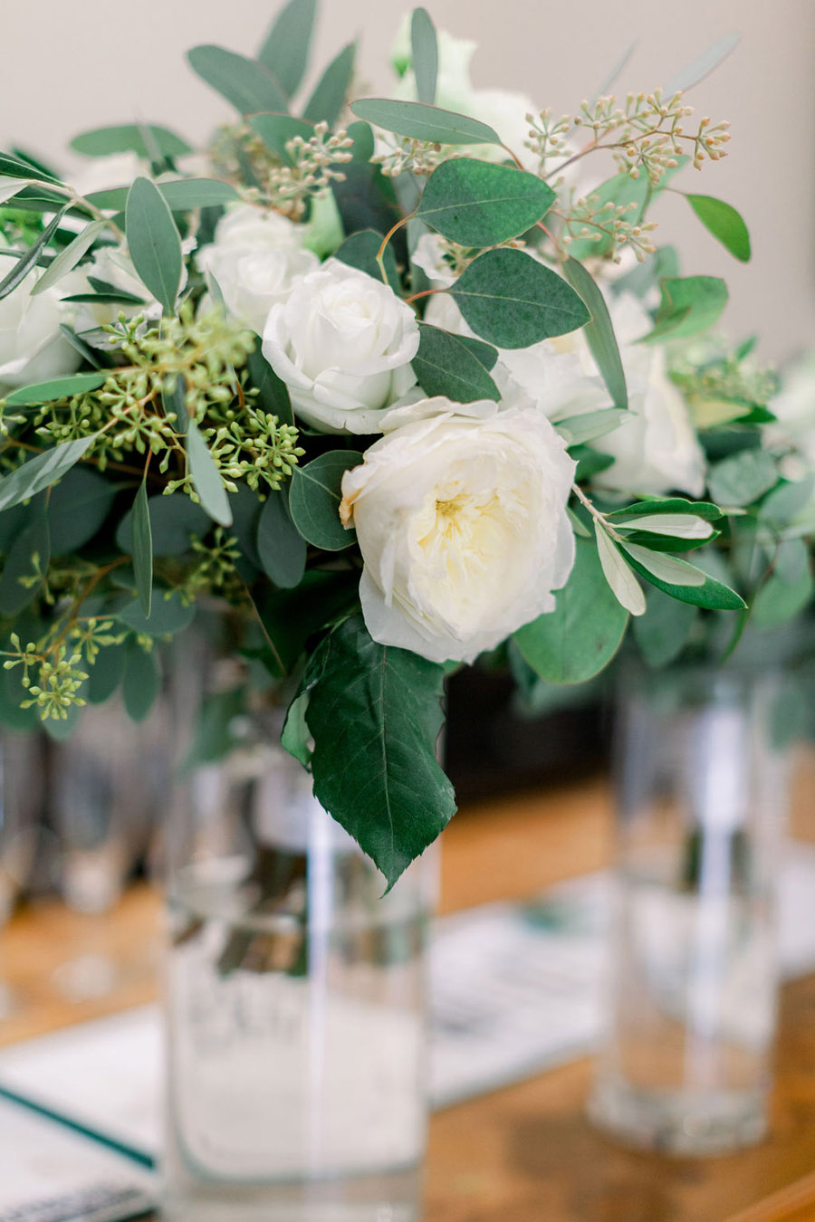Classic and timeless styling for Laura & Billy's beautiful summer wedding, with Jo Bradbury Photography (14)