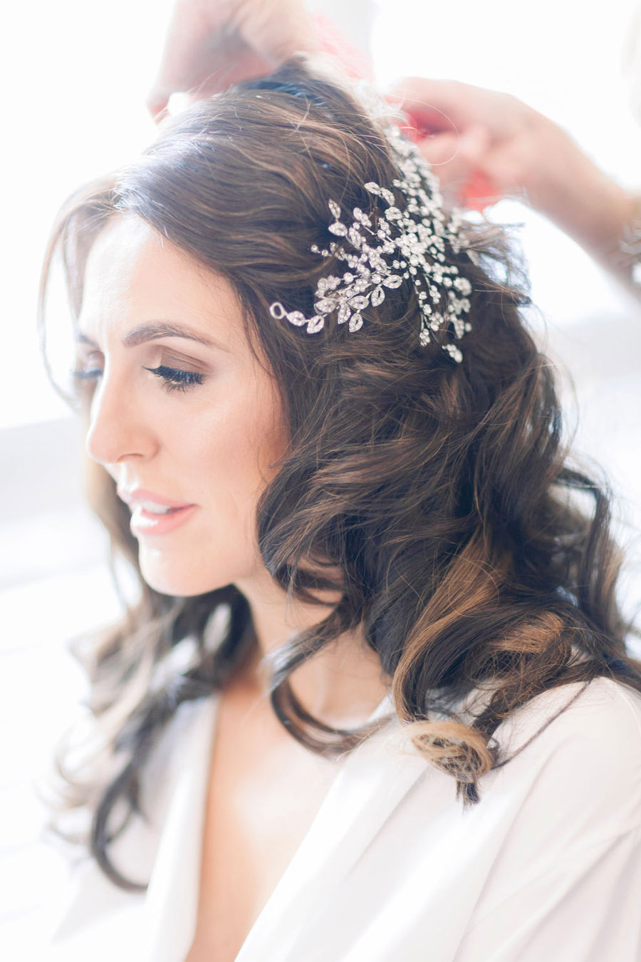 Classic and timeless styling for Laura & Billy's beautiful summer wedding, with Jo Bradbury Photography (15)