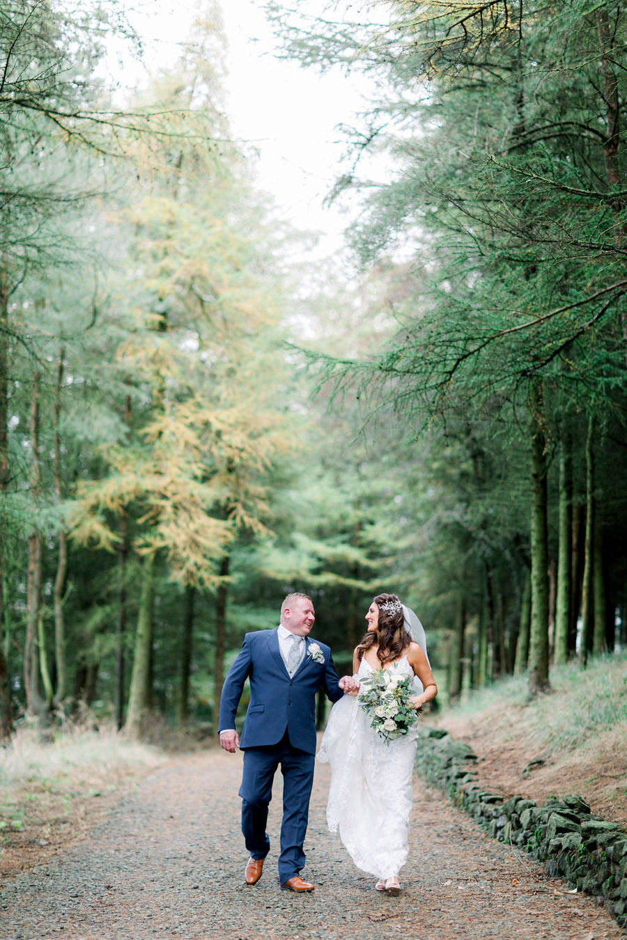 Classic and timeless styling for Laura & Billy's beautiful summer wedding, with Jo Bradbury Photography (24)