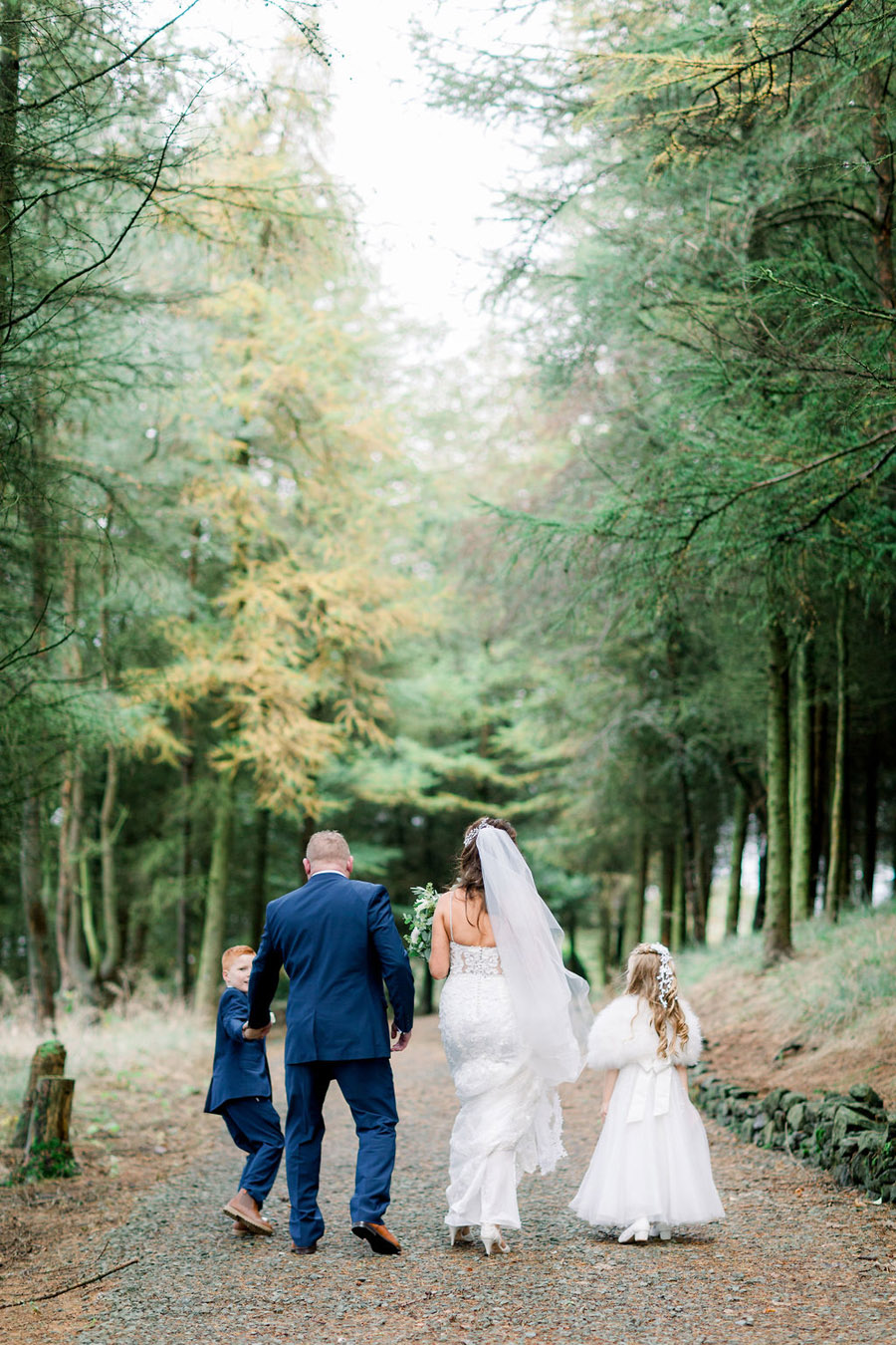 Classic and timeless styling for Laura & Billy's beautiful summer wedding, with Jo Bradbury Photography (31)
