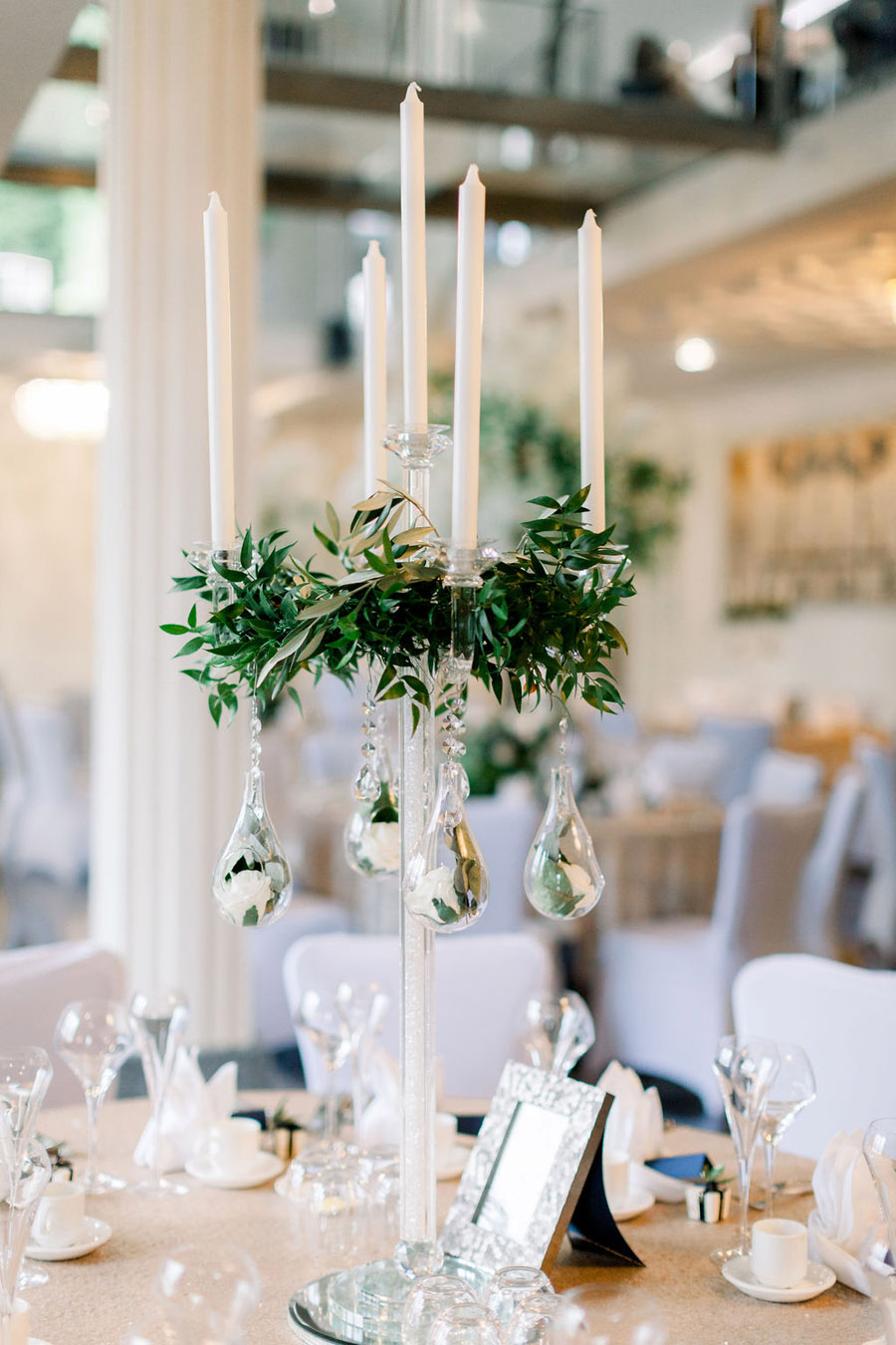 Classic and timeless styling for Laura & Billy's beautiful summer wedding, with Jo Bradbury Photography (40)