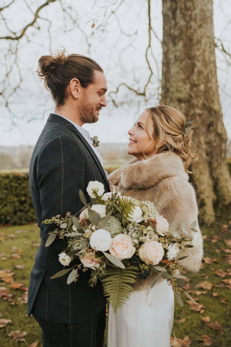 Susanna & Kieran's intimate, chic and modern wedding with Grace Elizabeth (17)