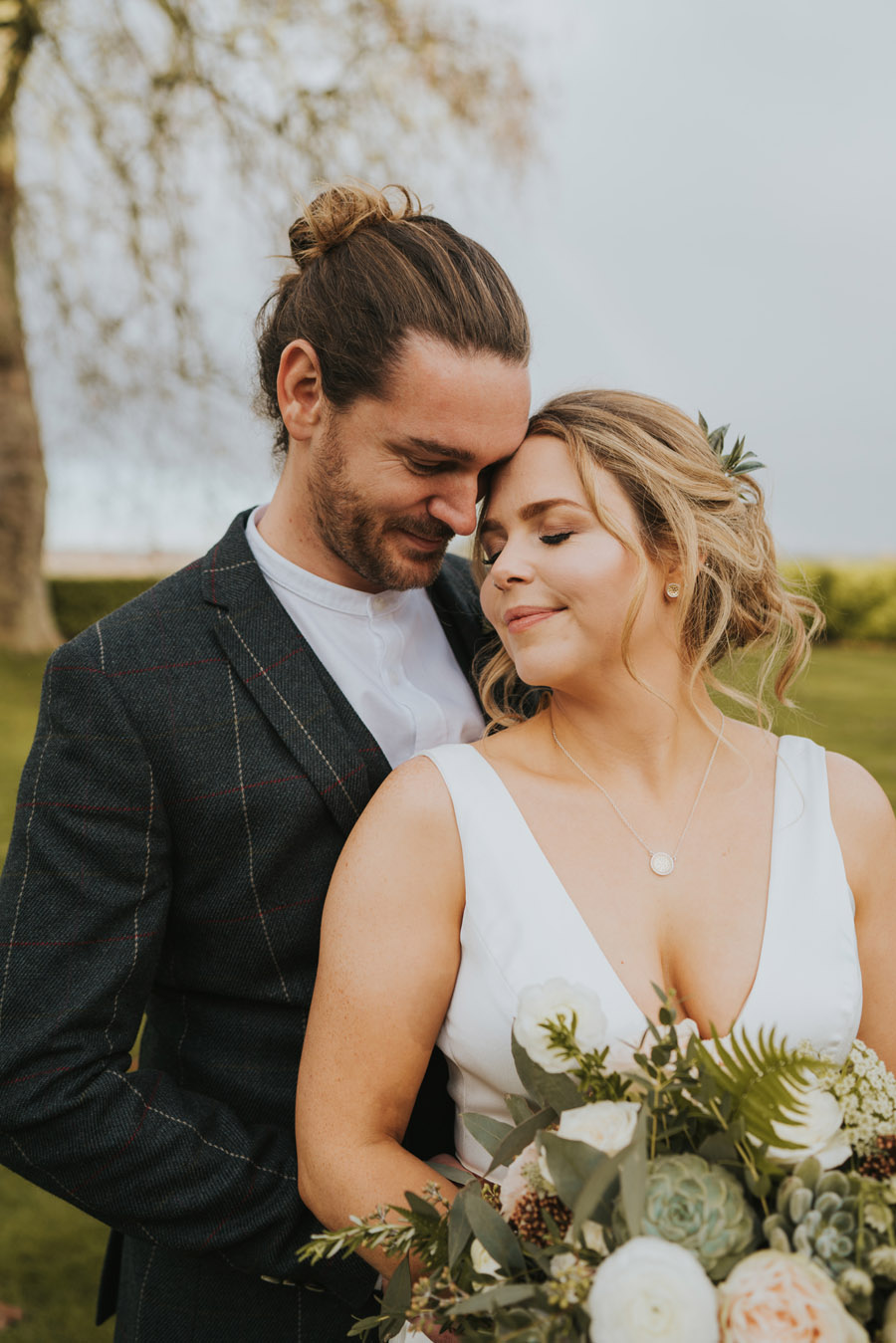 Susanna & Kieran's intimate, chic and modern wedding with Grace Elizabeth (32)