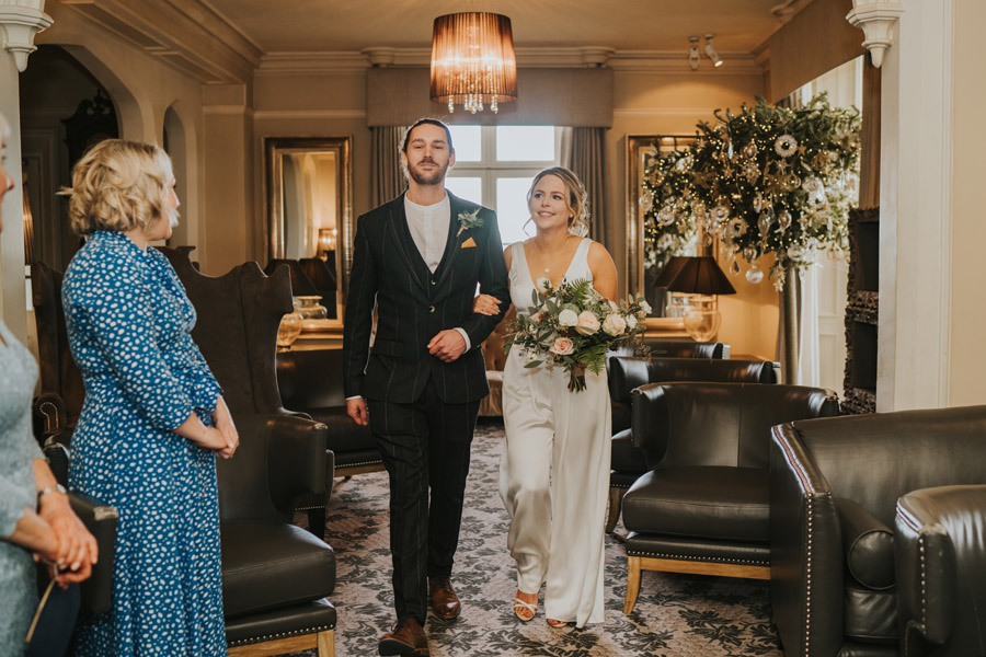 Susanna & Kieran's intimate, chic and modern wedding with Grace Elizabeth (13)