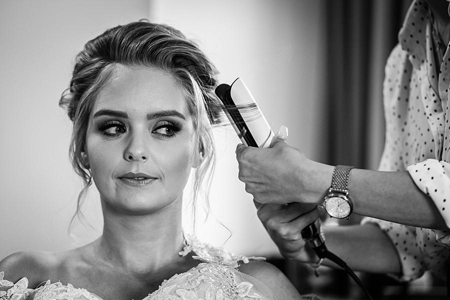 Kim & Graham's gorgeous Wellington Barns wedding, with Linus Moran Photography (4)