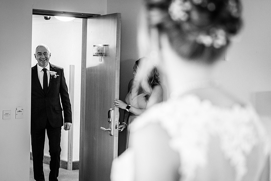 Kim & Graham's gorgeous Wellington Barns wedding, with Linus Moran Photography (8)