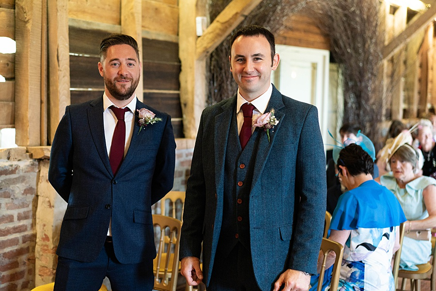 Kim & Graham's gorgeous Wellington Barns wedding, with Linus Moran Photography (11)