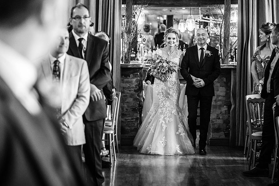Kim & Graham's gorgeous Wellington Barns wedding, with Linus Moran Photography (15)