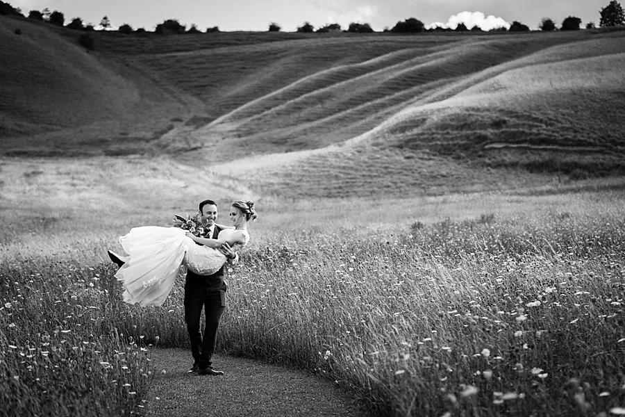 Kim & Graham's gorgeous Wellington Barns wedding, with Linus Moran Photography (32)