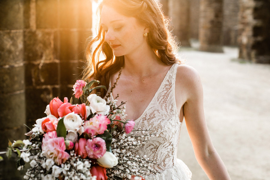 Elegant, floral and Ethical wedding inspiration shoot, image credit Amandine Ropars (10)