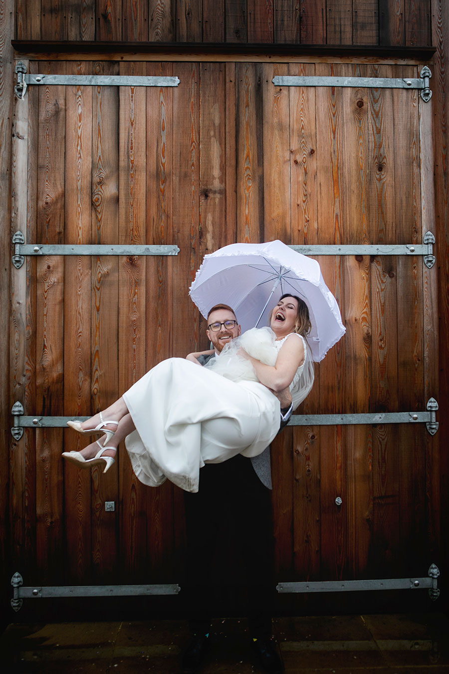 Anna & Kevin's chic modern wedding at Hyde House, with Katrina Matthews Photography (34)