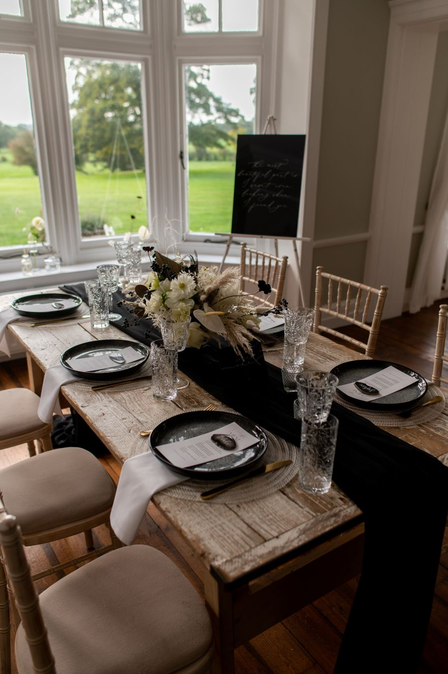 Modern Elegance in the Cotswolds countryside, image credit Dave Perry Photography (27)