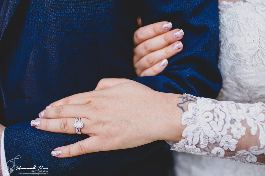 Jenny & Chris's winter wedding at Fairyhill, with Hannah Timm Photography (16)