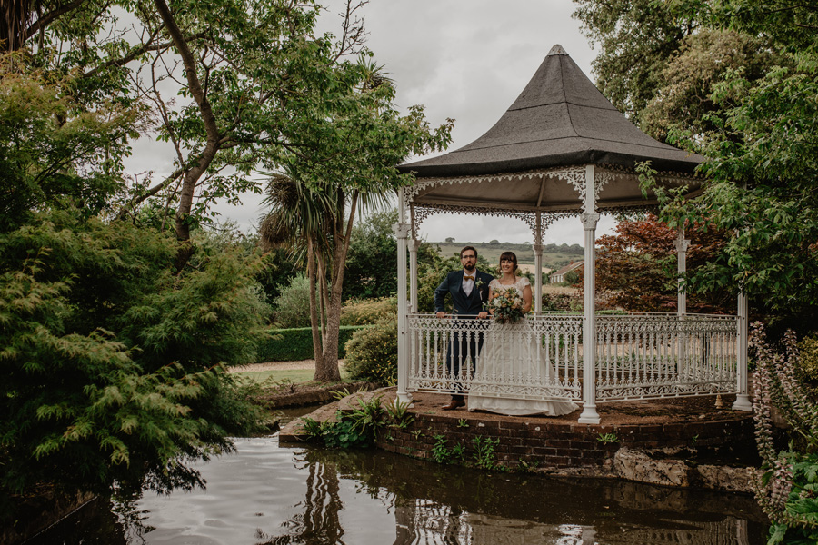 Hayley & Charlie's beautiful Isle of Wight wedding, with Holly Cade Photography (45)