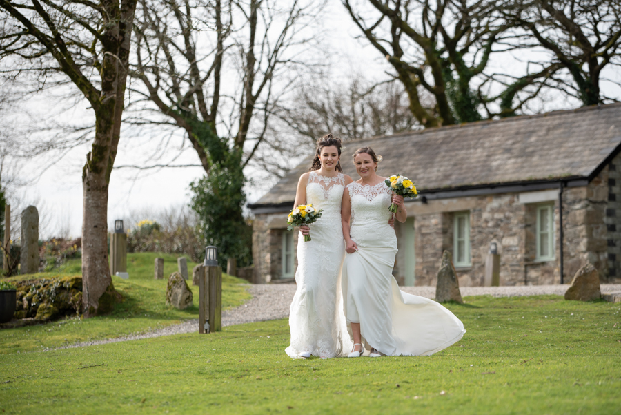 Hannah & Jess's rustic spring wedding at The Green, Cornwall, with Evolve Photography (27)