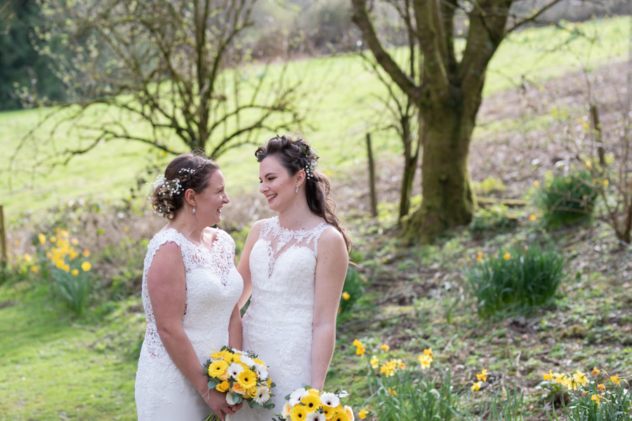 Hannah & Jess's rustic spring wedding at The Green, Cornwall, with Evolve Photography (30)