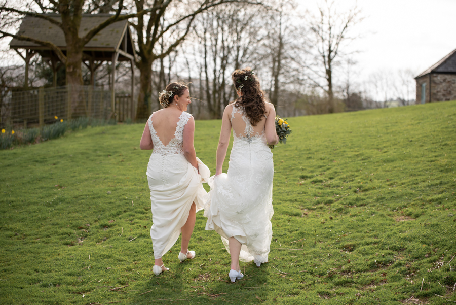 Hannah & Jess's rustic spring wedding at The Green, Cornwall, with Evolve Photography (31)