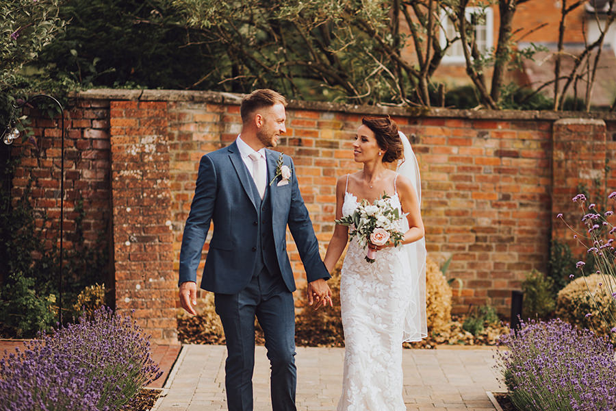 Yasmin & Mark's chic modern Kent wedding with Honeydew Moments (23)