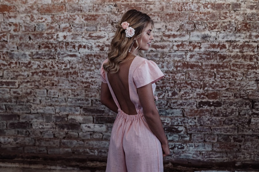 Sustainable, new and different bridesmaids' outfits by Luna Bride on English-Wedding.com (19)