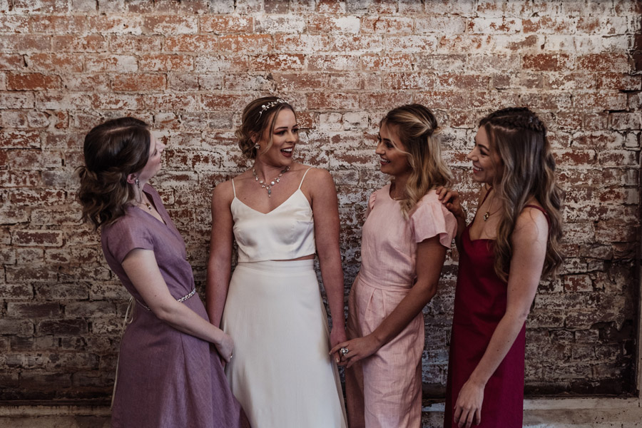 Sustainable, new and different bridesmaids' outfits by Luna Bride on English-Wedding.com (17)