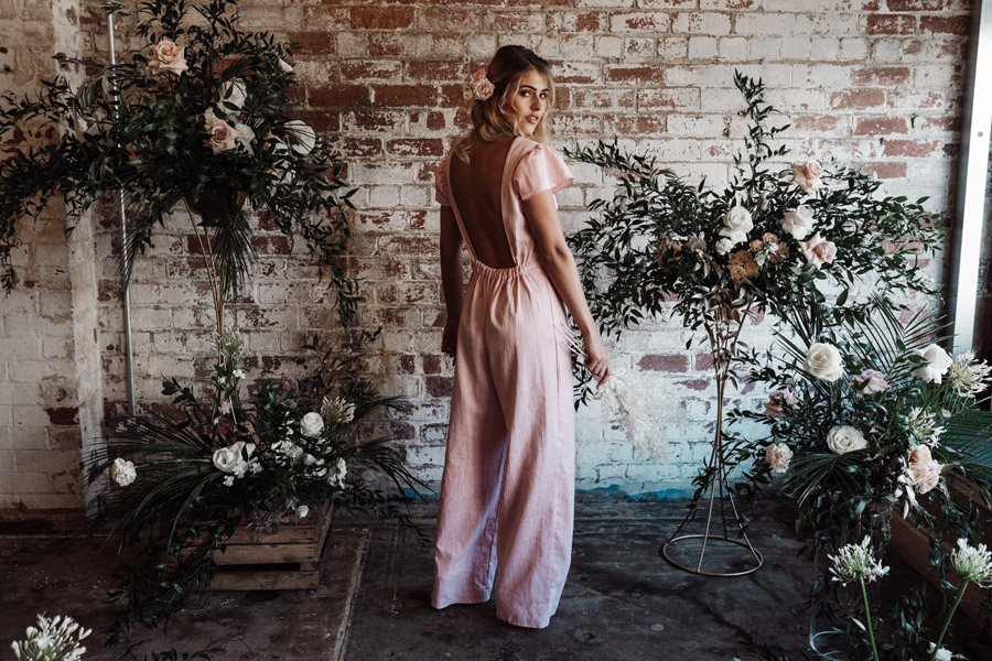 Sustainable, new and different bridesmaids' outfits by Luna Bride on English-Wedding.com (14)
