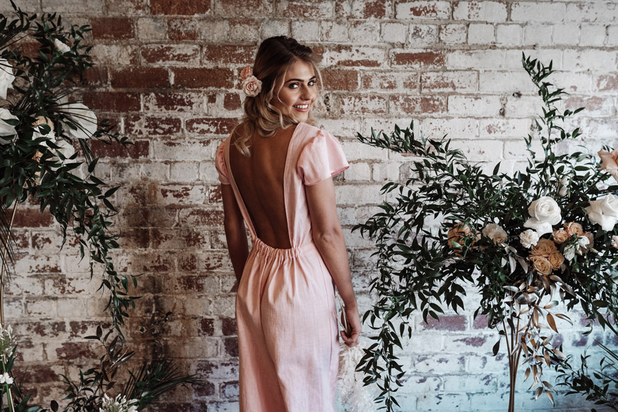 Sustainable, new and different bridesmaids' outfits by Luna Bride on English-Wedding.com (13)