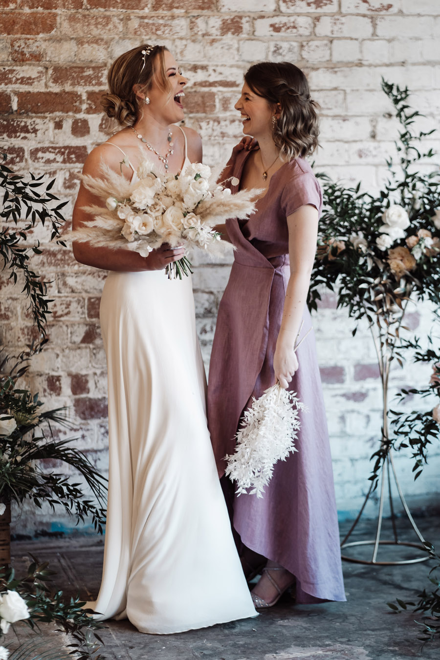 Sustainable, new and different bridesmaids' outfits by Luna Bride on English-Wedding.com (5)