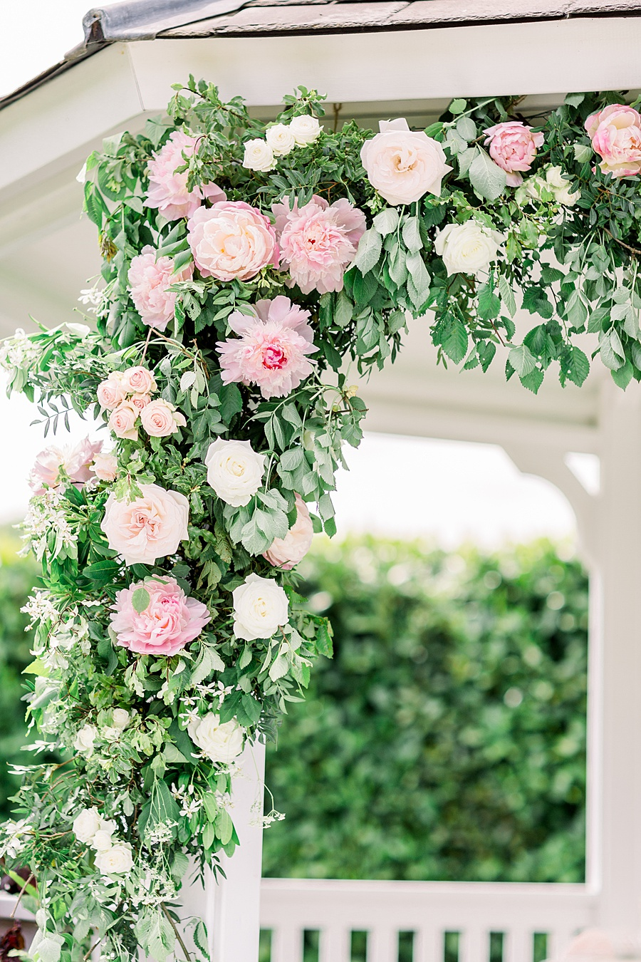 Timeless Elegance - a classic pink wedding editorial from Old Brook Barn (7)