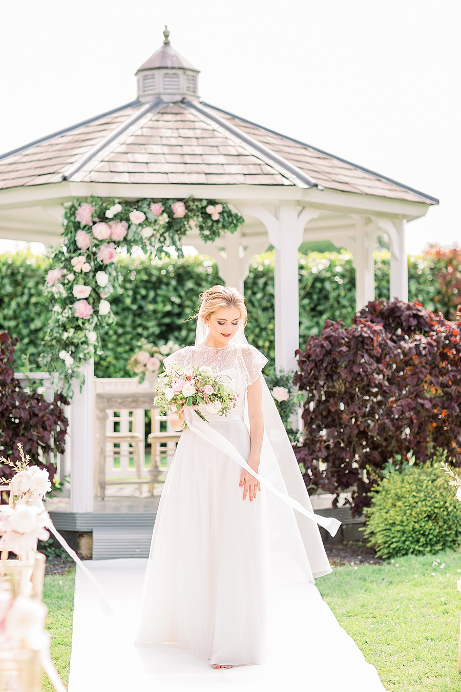 Timeless Elegance - a classic pink wedding editorial from Old Brook Barn (13)