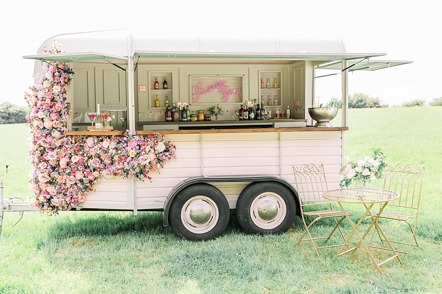 Timeless Elegance - a classic pink wedding editorial from Old Brook Barn (16)