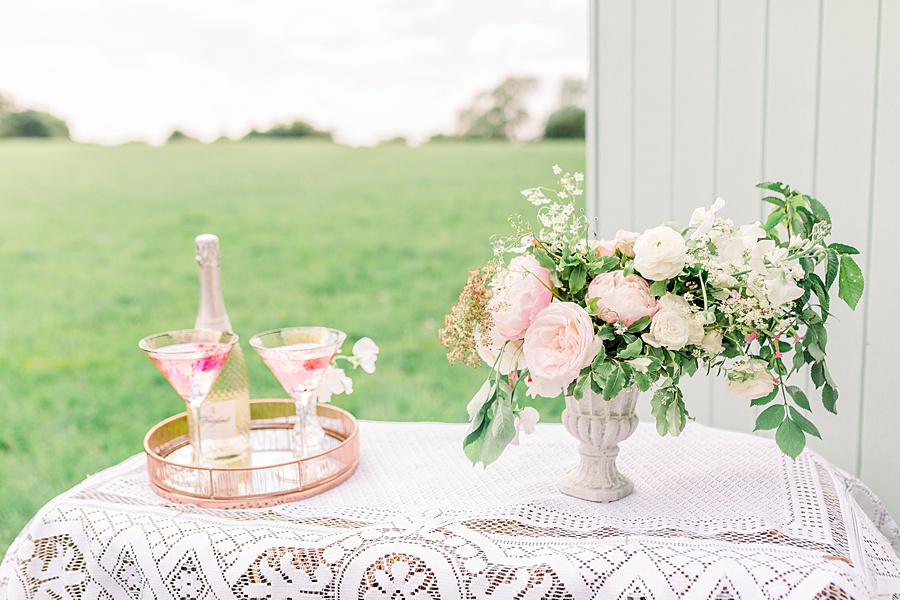 Timeless Elegance - a classic pink wedding editorial from Old Brook Barn (21)