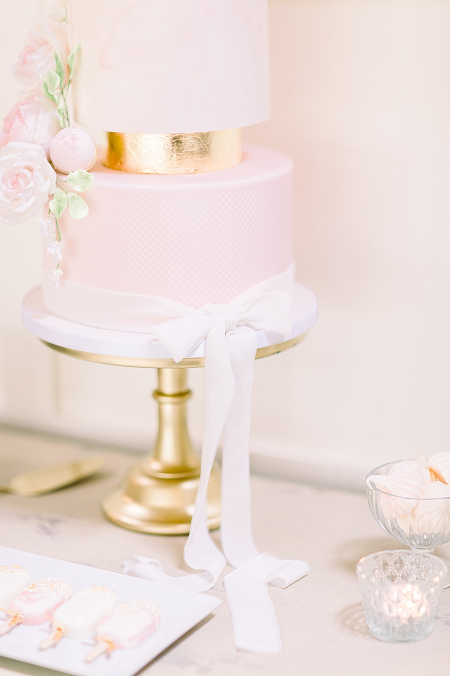 Timeless Elegance - a classic pink wedding editorial from Old Brook Barn (29)