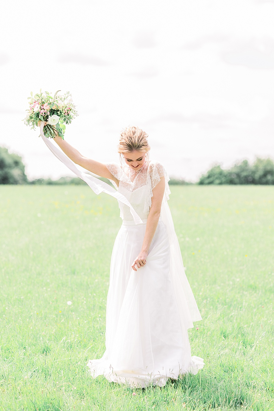 Timeless Elegance - a classic pink wedding editorial from Old Brook Barn (38)