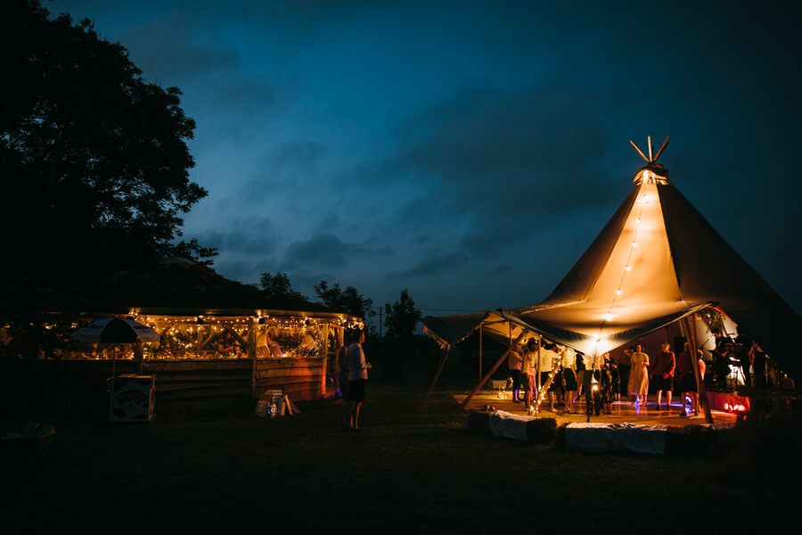 Lizzie & Eddy's beautiful Temple of Minerva and Farm Camp wedding, with Simon Biffen Photography (49)