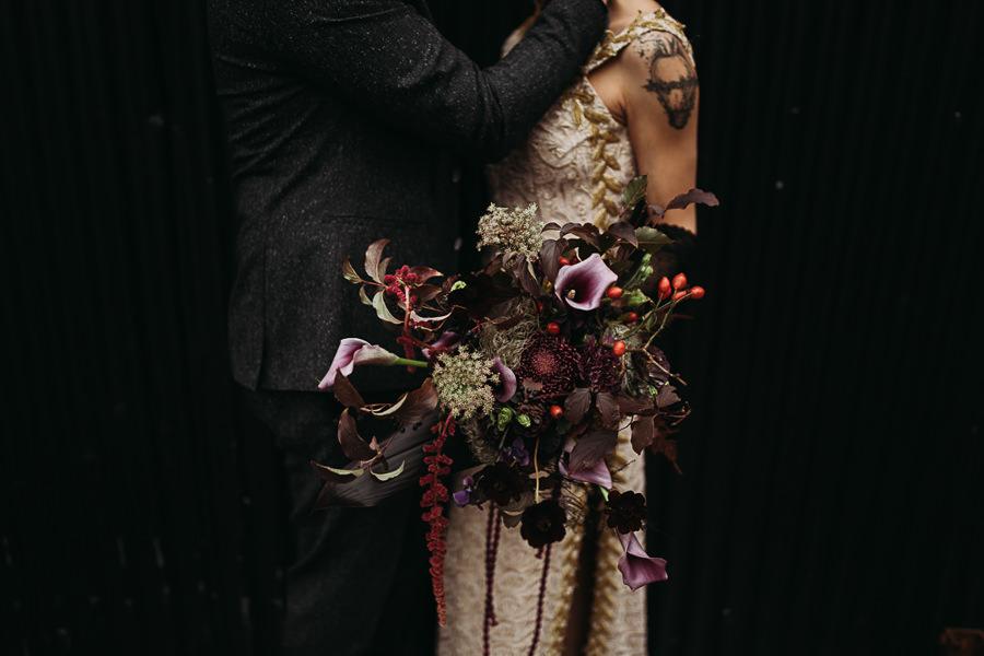 Sustainable and beautiful halloween wedding style, image credit Thyme Lane Photography (24)